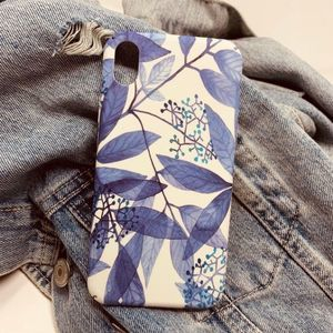 iPhone XS Max Case Blue White Floral